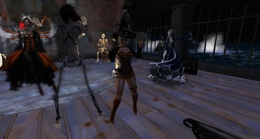Virgo, Jenny the skeleton, Diomita and Tyra at Halloween