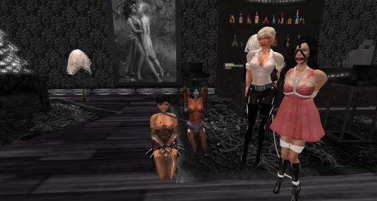 An usual family night - Jenny, slave Flo, Dio and Fae - at The Secret House