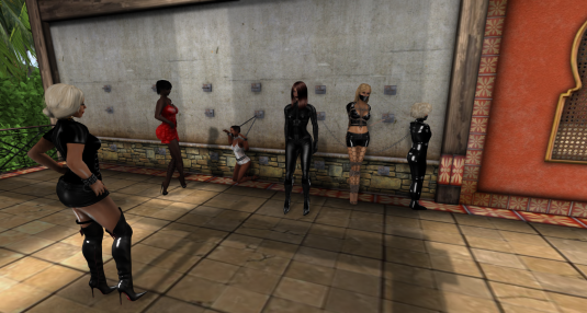 Sarah's patio decorated: Dio, Argi, slave, Sarah, Bobbi, Angelique