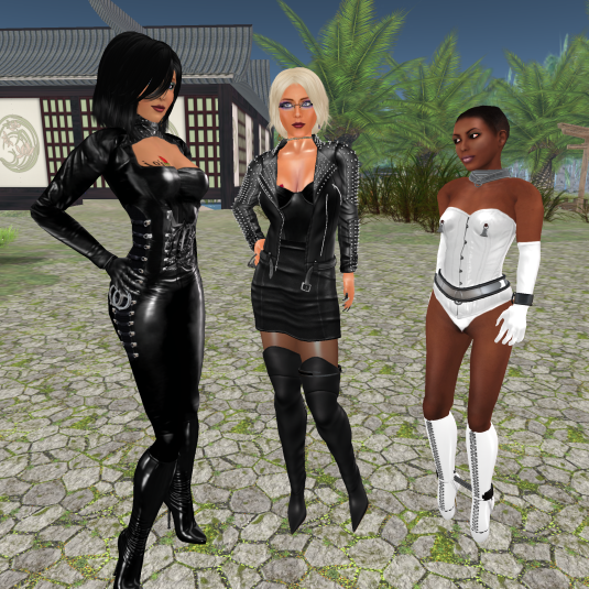Jenny and Dio with sweet slave Flo
