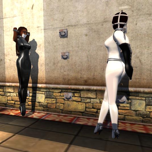 Black & White: slaves Flo and nuba (1)