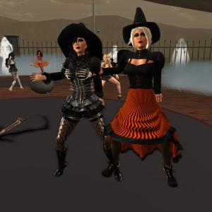 Jenny and Diomita Maurer Halloween 2015