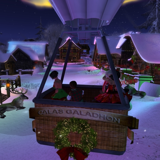 Calas Galadhon White Cristmas 2015 - the balloon ride (7): arriving at Santa's workshop