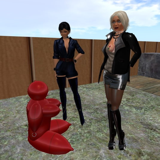 Jan 2nd: Diomita and Jenny with slave Flo (the red rubber bulb) at HBC