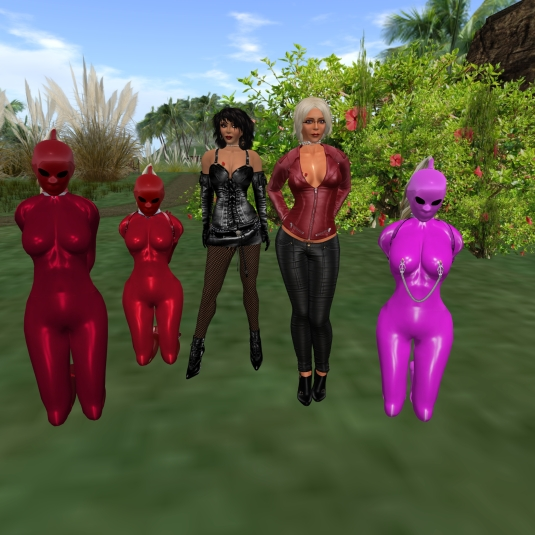 May 18th: The collaoring of slave cecy and slave Adarra - slave cecy, slave Flo, Jenny, Diomita and slave Adarra