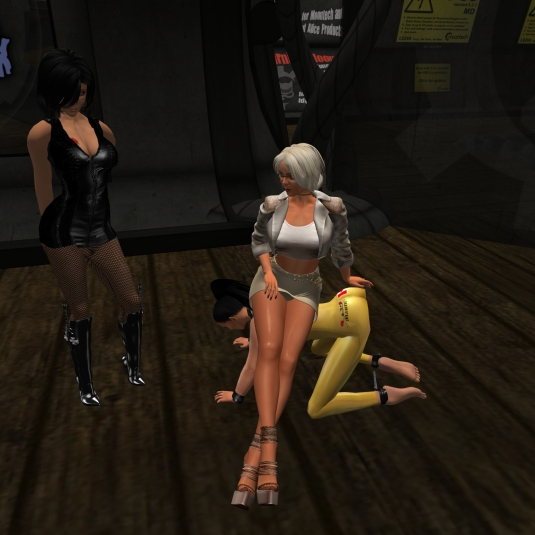 July 24th: Diomita with Jenny and slave Adarra at MD