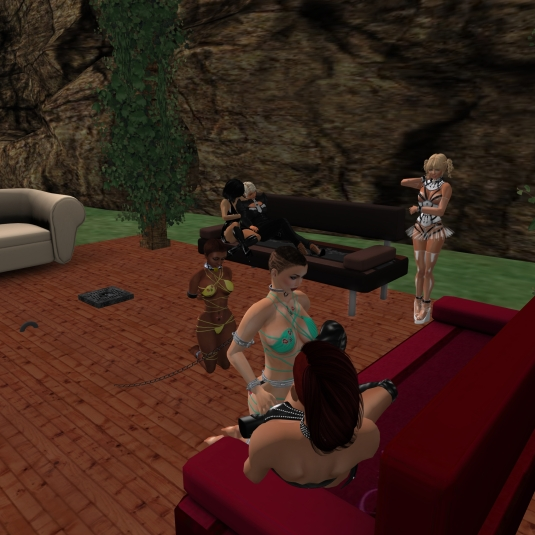September 10th - at our Patio: Mistress Jenny and Diomita (on the Sofa in the background). slave Flo, Angelique, slave cecy and Gerda