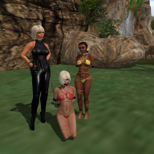September 29th: Diomita with Kitty and slave Flo at home. Welcome back home, Flo!