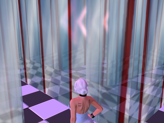 October 25th at Halloween town: Diomita lost in the transparent glass maze