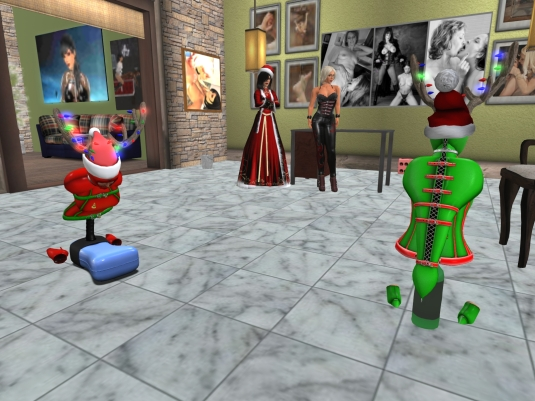 December 20th at home: Mistress Jenny and Diomita watching the slaves enjoying themselves. Here you can see what can go wrong in SL. It took both slaves quite a while to get their legs being visible again. Mistress and I really had fun just watching and teasing while the slaves searched their legs.