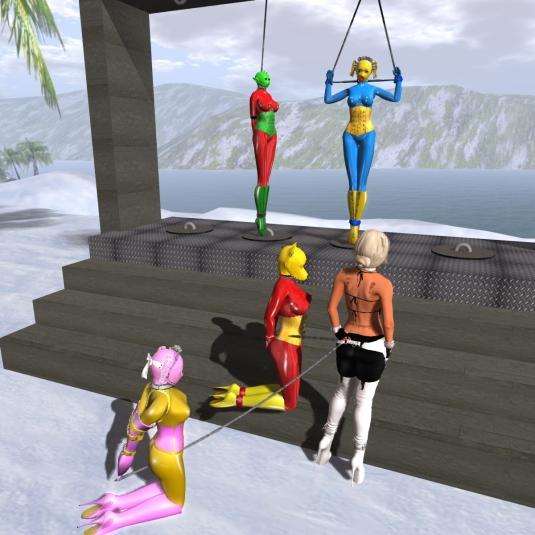 Jan 4th at the platform: slave Flo, slave Adarra, Diomita and on the platform slave D and slave cecy