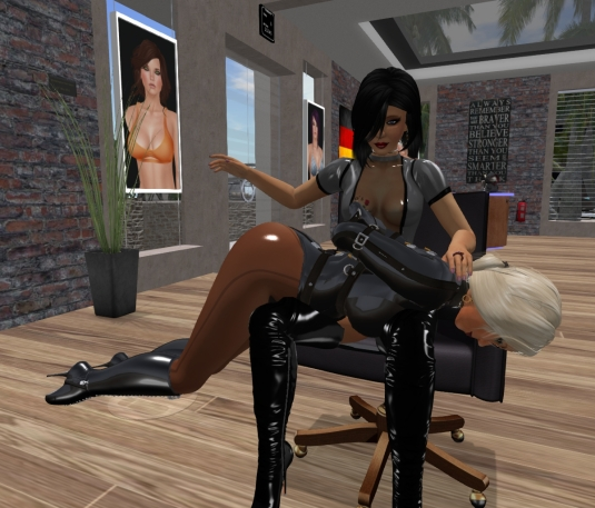Feb 25th at an hairdresser shop: Mistress Jenny and Diomita